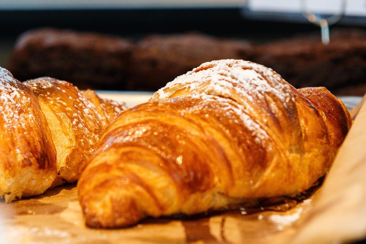 croissant-2559862_1280.jpg